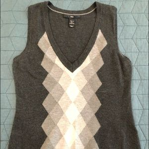 H and M vest